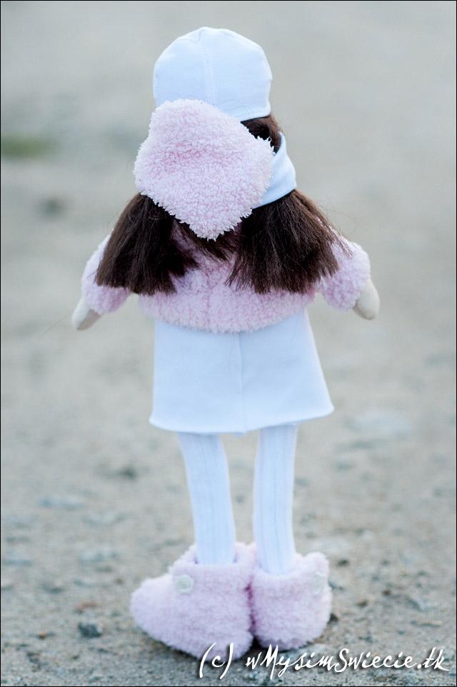 ręcznie wykonana lalka